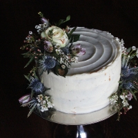 Ginger Spice Christmas Cake with Bloom & Wild